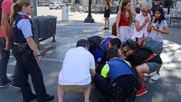 Obywatele aż 34 państw ofiarami zamachu w Barcelonie. Co z Polakami?