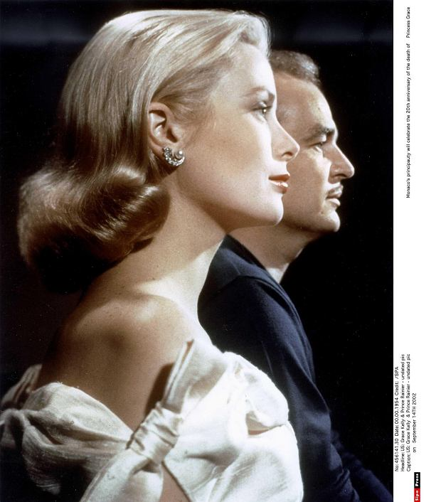 PHOTO: EAST NEWS/SIPA PRESS US: Grace Kelly  & Prince Rainier - undated pic                     Monacos principauty will celebrate the 20th anniversary of the death of Princess Grace on   September 14TH 2002  00456141