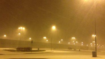To jest autostrada? Tak. Służby nie radzą sobie ze śnieżycą na A4. Już są skutki