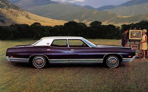 Ford LTD Pillared Hardtop Sedan 1971