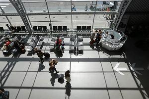 Słono zapłaci za alarm na lotnisku w Modlinie. A myślał, że wystarczą przeprosiny