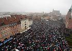 'Klincz PiS ws. aborcji. Jak zadowolić biskupów i nie rozgniewać 85 proc. Polaków?'