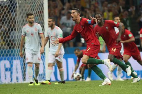 Portugalia Hiszpania  Nieziemski Ronaldo Wyrownal Dwie Minuty Przed Koncem I Zdobyl Hat Tricka Zapis Relacji