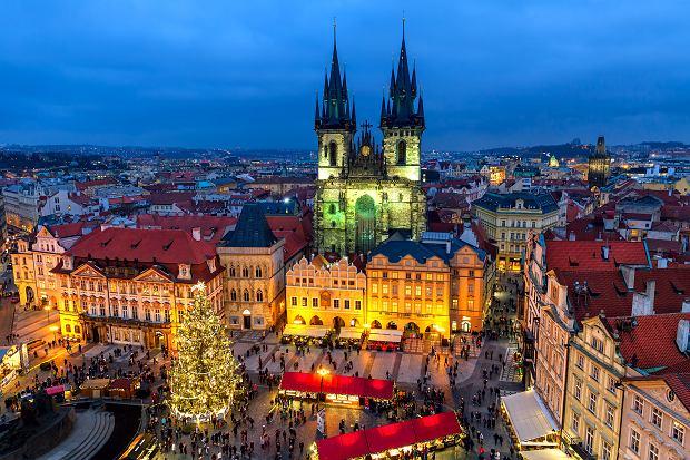 Świąteczny klimat na Starym Mieście w czeskiej Pradze