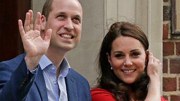 Księżna Kate opuściła szpital! Po raz pierwszy pokazała syna