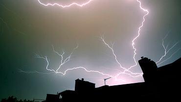 Nadchodzą burze i gradobicia. Gdzie będzie najgorzej? IMGW ogłasza alert pogodowy