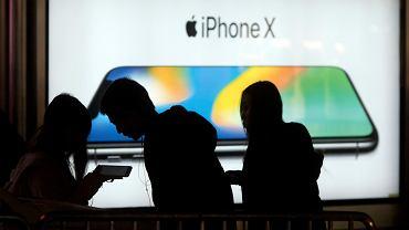 """Szykuje się spektakularna klapa Apple'a? """"Nie wyprodukują już żadnego nowego iPhone'a X"""""""