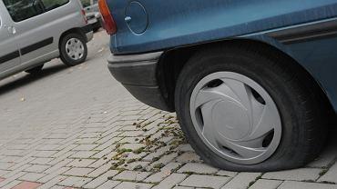 Tylko one łączą twój samochód z drogą. Przeczytaj, żeby nie popełnić błędu