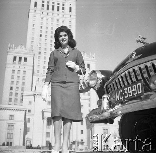 Marzec 1960, Warszawa, PolskaSesja fotograficzna na okadk tygodnika Przyja
