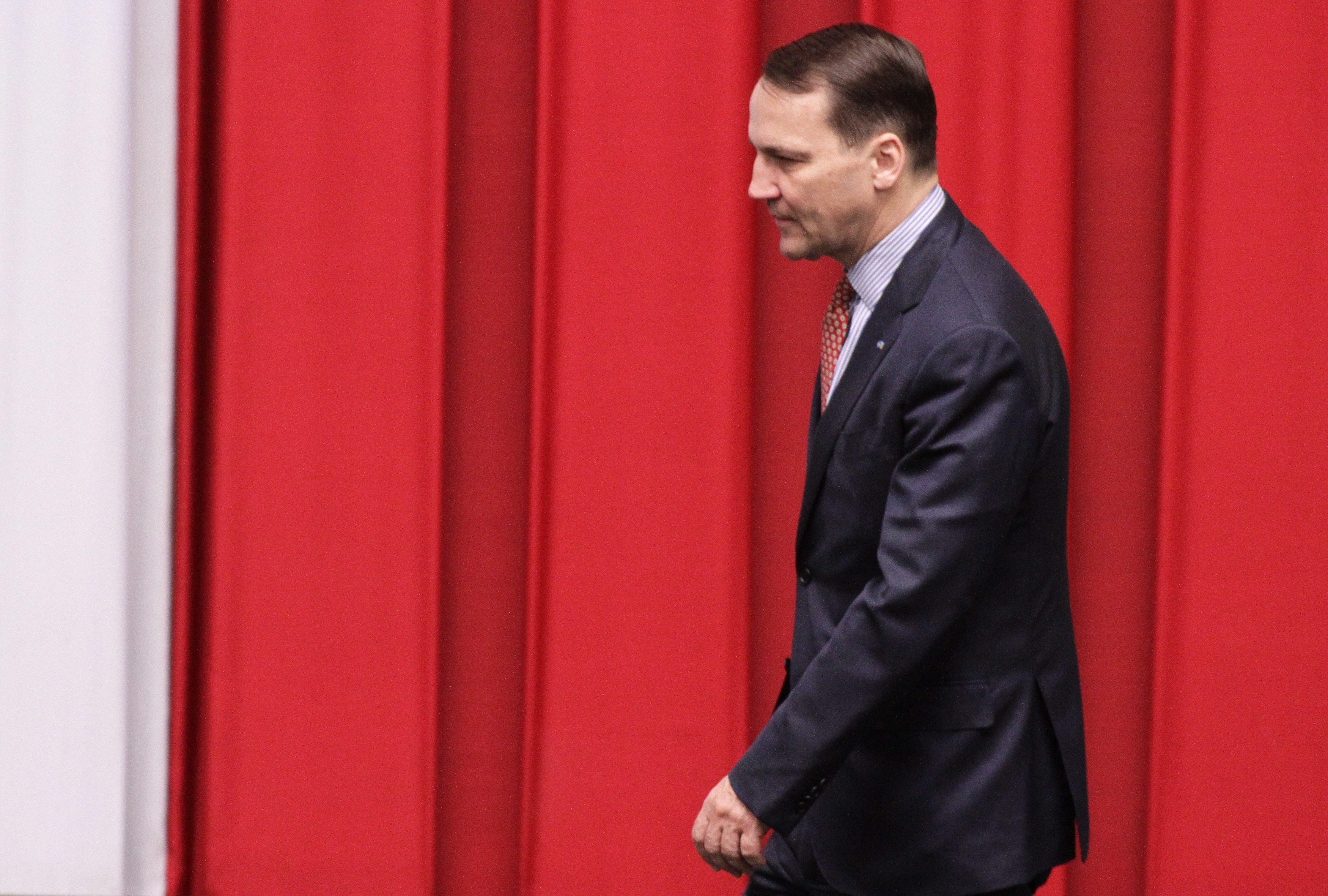 05.03.2015 Warszawa . Sejm . Marszalek Radoslaw Sikorski podczas glosowan . Fot . Slawomir Kaminski / Agencja Gazeta