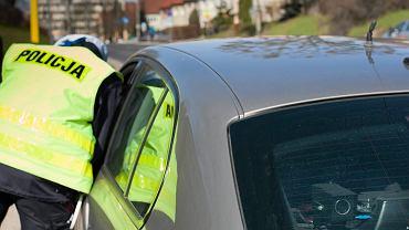 Nieoznakowany radiowóz zatrzymał inny nieoznakowany pojazd policji