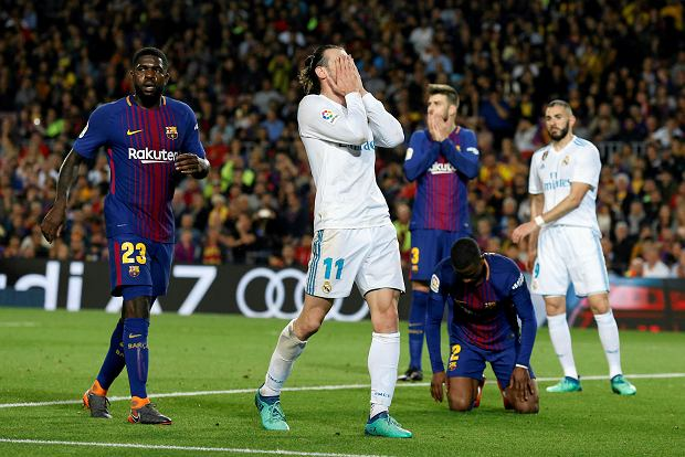 Real Madrid's Gareth Bale, center, reacts during a Spanish La Liga soccer match between Barcelona and Real Madrid, dubbed 'el clasico', at the Camp Nou stadium in Barcelona, Spain, Sunday, May 6, 2018. (AP Photo/Manu Fernandez) SLOWA KLUCZOWE: XLALIGAX