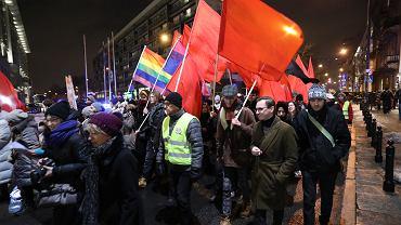 """""""To 'faszyści' czy 'komuniści'? Niech się Tomasz Lis zdecyduje"""""""