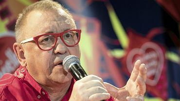 """Owsiak emocjonalnie po ataku Jakiego: """"Zwijamy żagle"""". Minister znowu dolewa oliwy do ognia"""