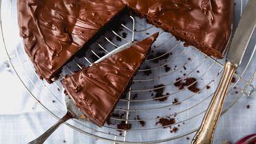 Dzięki tej metodzie już nigdy nie będziesz mieć problemu z pokrojeniem tortu. A ciasta wystarczy dla wszystkich