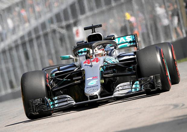 Mercedes driver Lewis Hamilton, of Britain, drives during the second practice session at the Formula One Canadian Grand Prix auto race Friday, June 8, 2018, in Montreal. (Tom Boland/The Canadian Press via AP) SLOWA KLUCZOWE: Canada Quebec Montreal;car racing;F1;1;auto;automobile;automotive;Canada;Canadian;car;cars;competative;compete;competing;competition;competitions;event;formula;one;pro;professional;race;racing;skill;skills;speed;sport;sporting;sports;track;vehicle;vehicles;Canada Quebec Montreal