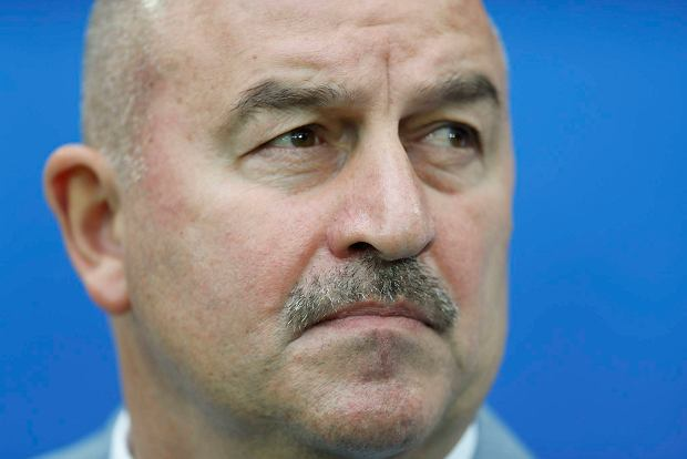 Russia coach Stanislav Cherchesov waits for the kick-off of the Confederations Cup, Group A soccer match between Russia and New Zealand, at the St. Petersburg Stadium, Russia, Saturday, June 17, 2017. (AP Photo/Pavel Golovkin)