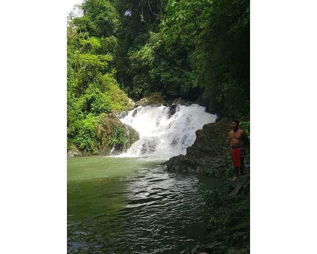Wodospad w okolicy wioski Indian Embera Drua