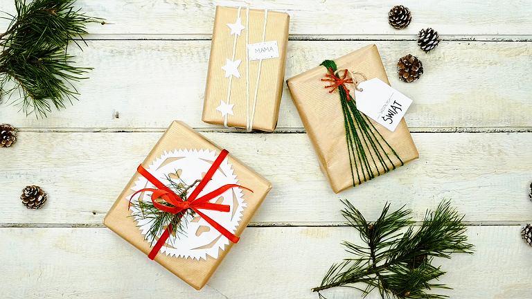 Święta tuż, tuż! Sprawdź, jak efektownie ozdobić prezenty