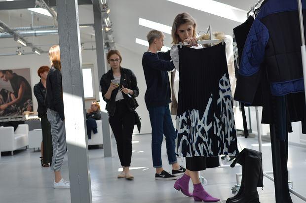 Kolekcja H&M Studio jesień 2017 w showroomie marki