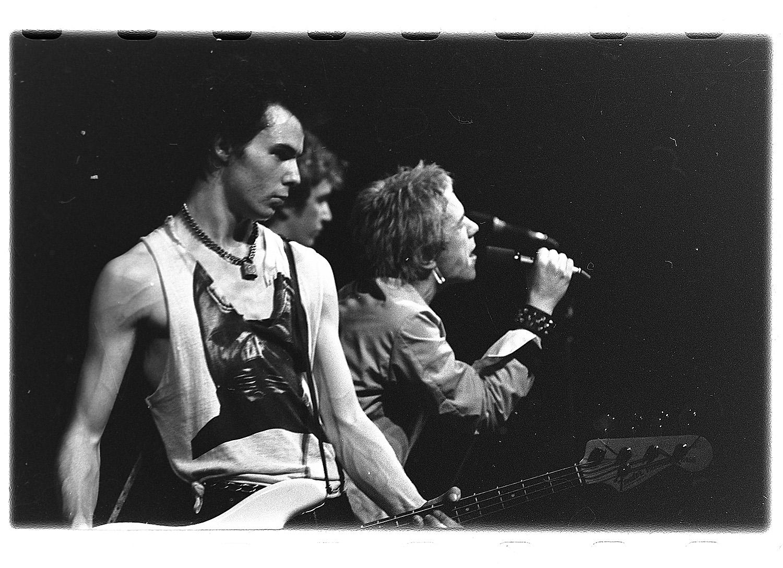 Westwood projektowała ubrania dla zespołu Sex Pistols, którego jej mąż był menedżerem (fot. Riksarkivet National Archives of Norway/flickr.com)