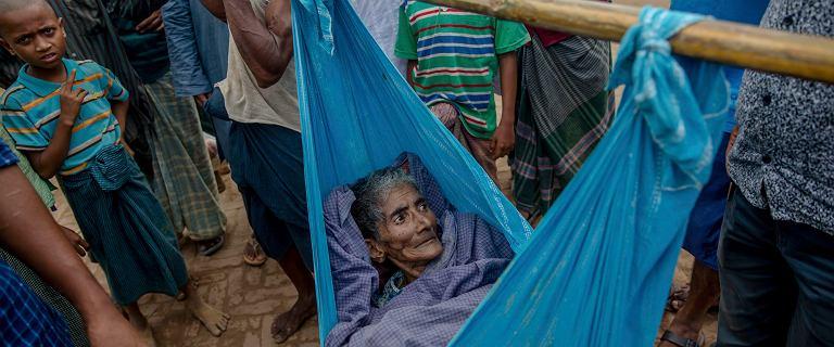 400 tysięcy osób ucieka przed czystką. Z kraju rządzonego przez laureatkę pokojowego Nobla