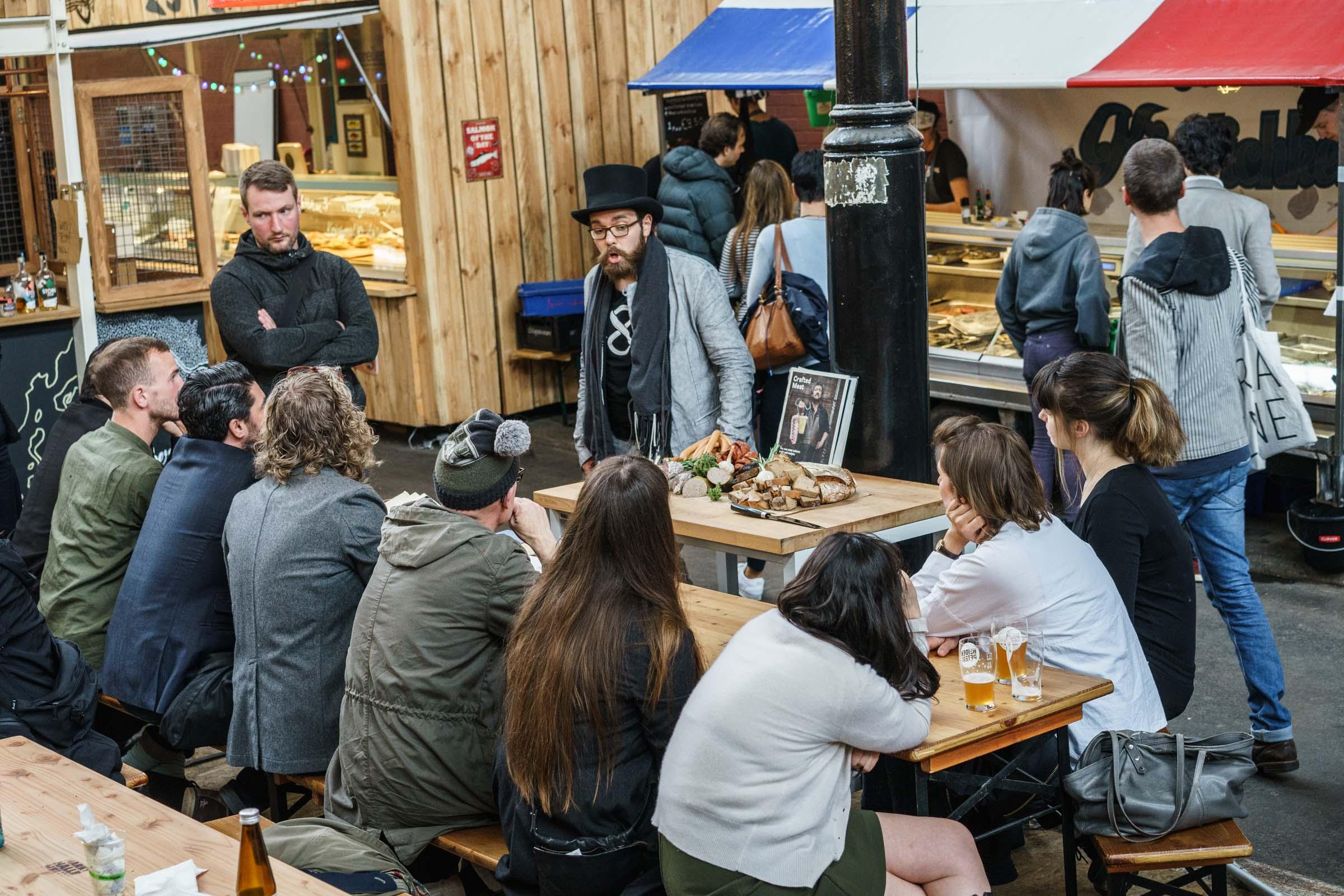 Prezentacja lokalnych produktów w Markthalle Neun (fot. Sonni Holmstedt)