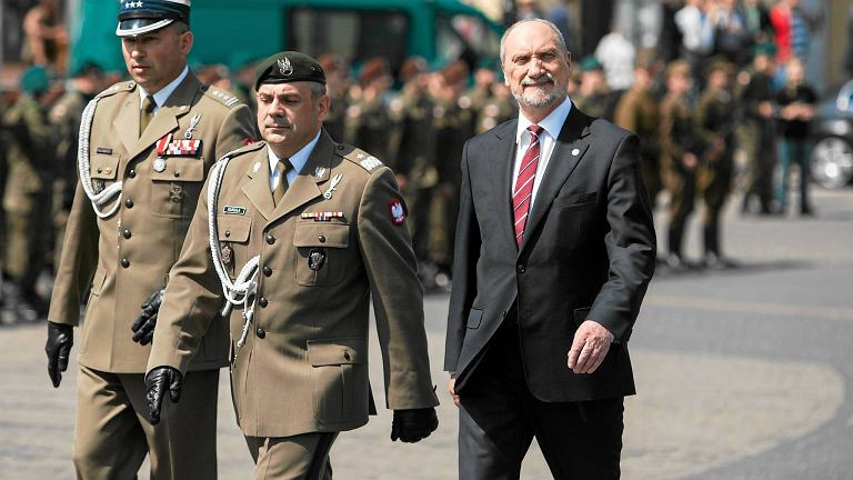 "Dowódca obrony terytorialnej donosi do prokuratury. ""Bronimy honoru!"""