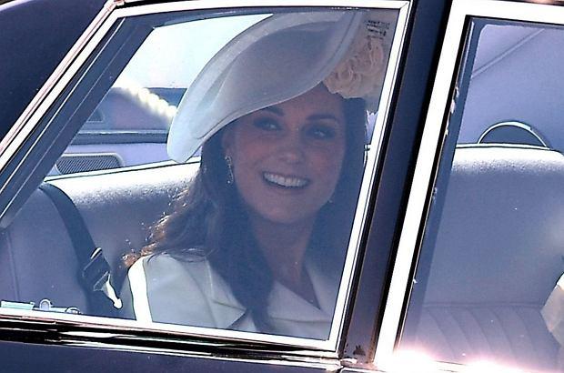 Księżna Kate na ślub Harry'ego i Meghan założyła trzeci raz tę samą suknię. Wpadka? Wręcz przeciwnie!