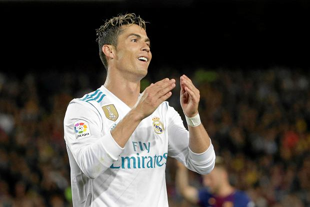 Real Madrid's Cristiano Ronaldo reacts after missing a chance to score during a Spanish La Liga soccer match between Barcelona and Real Madrid, dubbed 'El Clasico', at the Camp Nou stadium in Barcelona, Spain, Sunday, May 6, 2018. (AP Photo/Emilio Morenatti) SLOWA KLUCZOWE: XLALIGAX