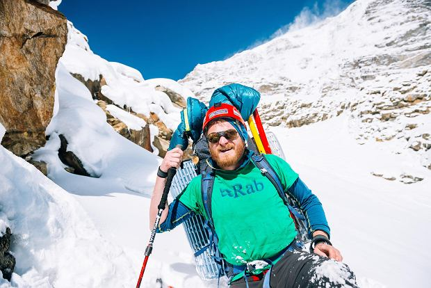 Tomasz Mackiewicz going down the slopes of Nanga Parbat just below C1.   Zdjęcia do jednorazowej publikacji - ekstra płatne  detale zna Dominik Szczepański ze sportu