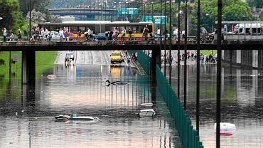 """Ulice zamienią się w rzeki, woda da się we znaki mieszkańcom. """"Warszawa będzie miała kłopot latem"""""""
