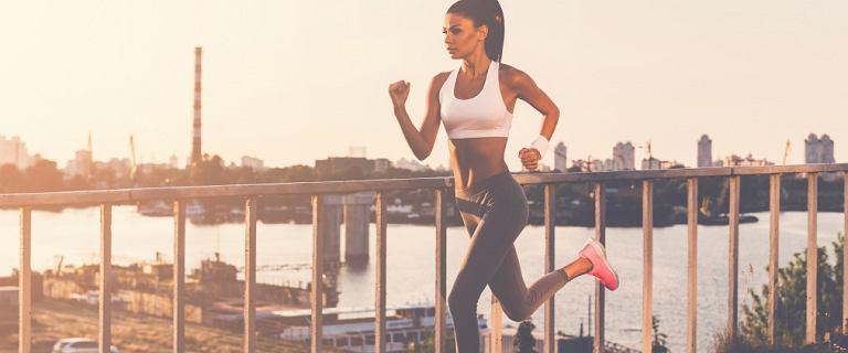 Jak biegać poprawnie technicznie i przy okazji... spalać pięć razy więcej kalorii? Wystarczą drobne zmiany