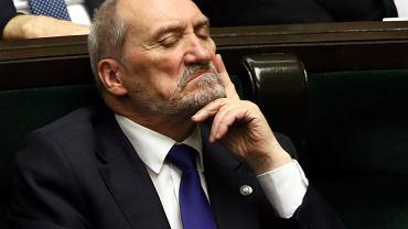 """""""Macierewicz jest skończony w PiS, a Ziobro się od niego odcina"""""""