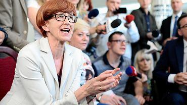 """Rząd odtrąbił sukces ws. protestu w Sejmie. """"Plują protestującym w twarz"""""""