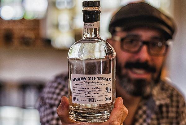"""Kanadyjczyk znawcą polskiej wódki. """"Dlaczego mówi się o winiarzu, a o gorzelnikach nikt nie wspomina?"""""""
