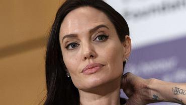 Jolie wyznaje, że cierpi na rzadką chorobę. Mówi też o początkach kryzysu z Pittem