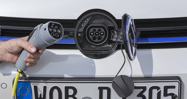 <b>VOLKSWAGEN E-GOLF</b> Fot. VW