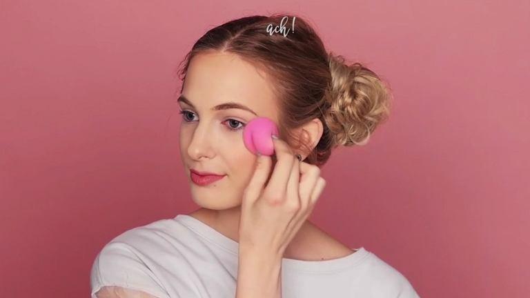 HIT: Beauty Blender to gąbka-cud, która zastąpi ci wszystkie pędzle