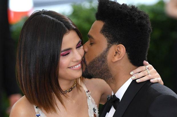 Selena Gomez i The Weeknd na gali MET 2017