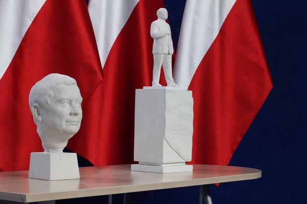 Planowany pomnik Lecha Kaczyńskiego, który prawdopodobnie stanie na obrzeżach placu Piłsudskiego
