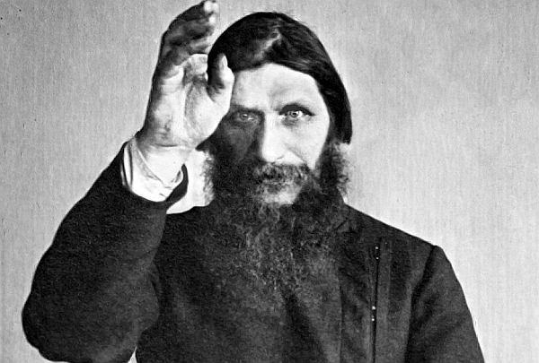 Mnich cudotwórca, antychryst, kochanek carycy, hipnotyzer, święty, członek lubieżnej sekty. Kim był najpotężniejszy człowiek carskiej Rosji?