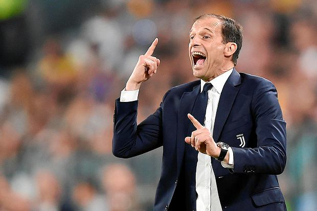 Juventus coach Massimiliano Allegri calls out to his players during a Serie A soccer match between Juventus and Napoli at the Allianz Stadium in Turin, Italy, Sunday, April 22, 2018. (Alessandro Di Marco/ANSA via AP) SLOWA KLUCZOWE: XSERIEAX