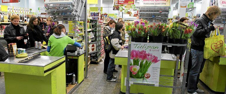 Biedronka rozważa nocną zmianę w sklepach. W tle tych planów jest zakaz handlu w niedziele