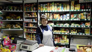 Coś się dzieje w małych sklepach. Czyżby pierwszy efekt zakazu handlu?