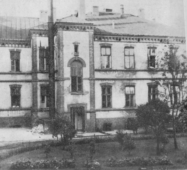 Dom ks. Boduena w Warszawie, w którym w trakcie II wojny światowej udzielono schronienia ok. 200 żydowskim dzieciom (fot. Wikimedia.org / Domena publiczna)