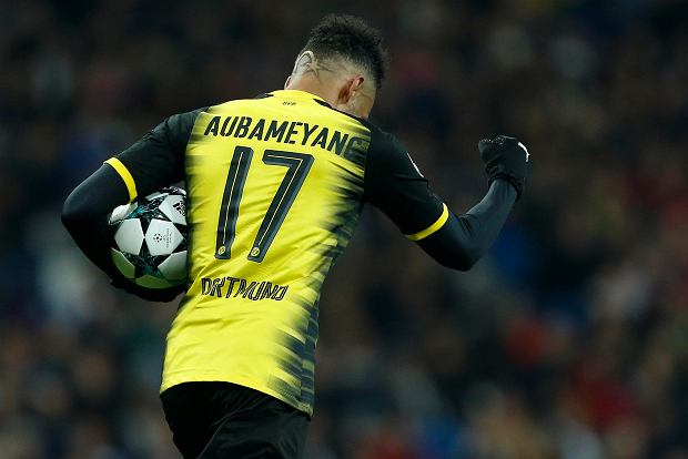 Dortmund's Pierre-Emerick Aubameyang celebrates after scoring his side's opening goal during the Champions League Group H soccer match between Real Madrid and Borussia Dortmund at the Santiago Bernabeu stadium in Madrid, Spain, Wednesday, Dec. 6, 2017. (AP Photo/Francisco Seco) SLOWA KLUCZOWE: XCHAMPIONSLEAGUEX