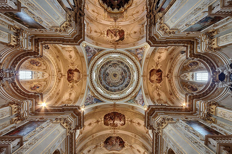 Bogato zdobione sklepienie, Cappella Colleoni, Bergamo, Fot. iStock