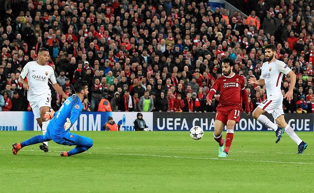 Liverpool's Mohamed Salah scores his side's second goal of the game against Roma during their Champions League, Semifinal first leg soccer match at Anfield, Liverpool, England, Tuesday April 24, 2018. (Peter Byrne/PA via AP) SLOWA KLUCZOWE: soccer;football