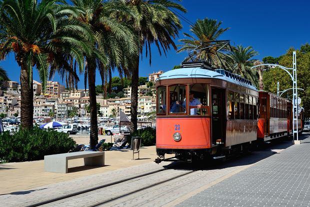 Tramwaj jeżdżący pomiędzy Soller i Port de Soller na Majorce